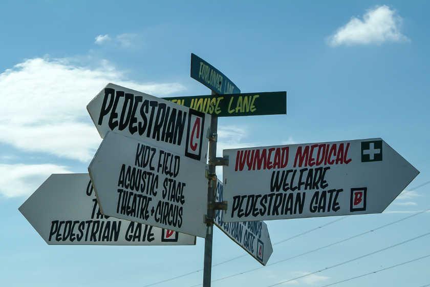 Panneaux de signalisation du festival de Glastonbury